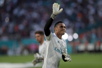 Keylor Navas waves at fans prior to the Real Madrid versus Barcelona game at Hard Rock Stadium on Saturday, July 29, 2017. Randy Vazquez, South Florida Sun-Sentinel