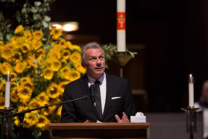 Joe Montana tells a story about former San Francisco 49ers teammate Dwight Clark at Grace Cathedral in San Francisco on Wednesday, Aug. 1, 2018. A private memorial service was held for the Clark where his family, former teammates and local leaders payed their respects. (Randy Vazquez/ Bay Area News Group)