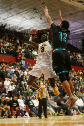 Bishop O'Dowd's Elijah Hardy (2), left, tries to drive passed Sheldon's Kaito Williams (12), right, in the first quarter of the CIF NorCal Open Division boys championship game at Leavey Center in Santa Clara, Calif. on Saturday, March 17, 2018. (Randy Vazquez/ Bay Area News Group)