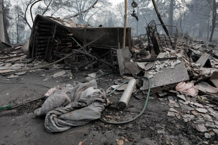 An oxygen tank and blanket are photographed in front of the home of Ernest Foss in Paradise, Calif., on Tuesday, Nov. 13, 2018. Foss, who grew up in the Bay Area, was one of the victims of the Camp Fire. (Randy Vazquez/Bay Area News Group)
